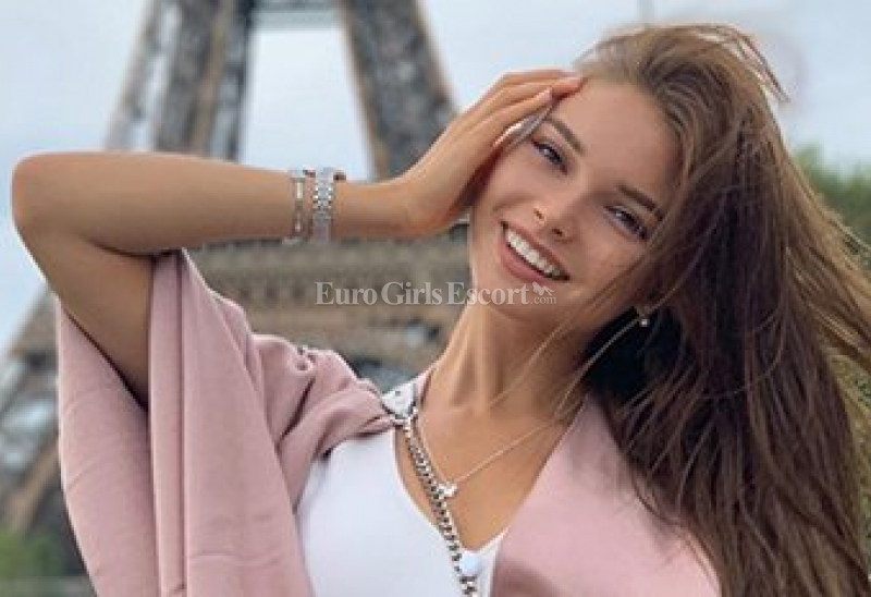 Escort Paris France - French Escort Ladies for Erotic 24/7 Outcall Services